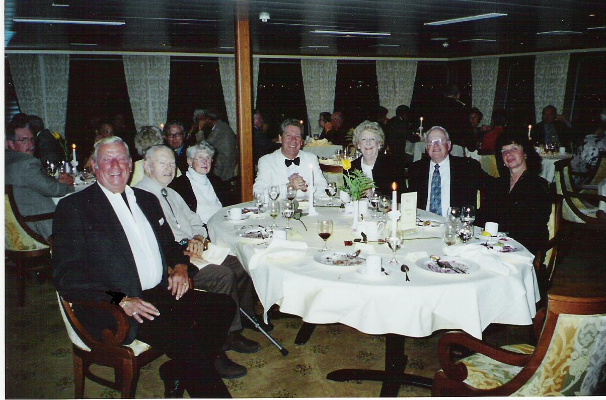 story from the captains table rh charlesbuntjer com captains table restaurant ocmd captains table tn